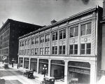 Photograph of the Doctors' Building, between 1916 and 1921
